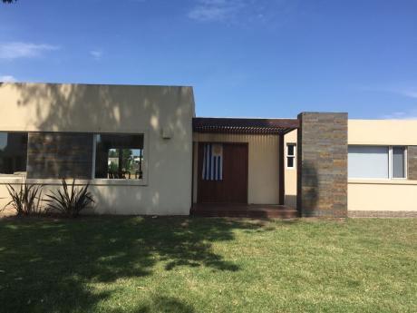 Hermosa Casa En Altos La Tahona