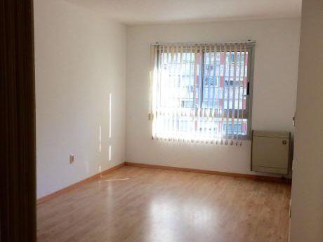 Apartamento De 1 Dormitorio En Tres Cruces