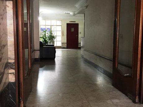 Buen Apartamento En Edificio De Categoría