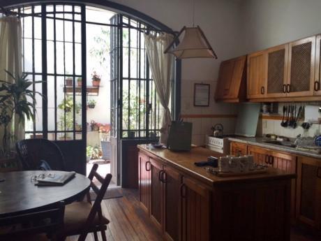 Venta Casa La Blanqueada 5 Dormitorio.