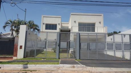 Lujosa Residencia A Estrenar En Los Laureles - Mariscal Estigarribia