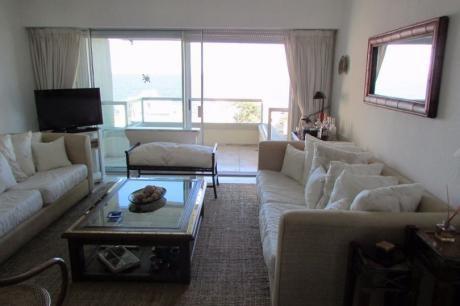 Edificio Fragata Playa Mansa - 3 Dormitorios