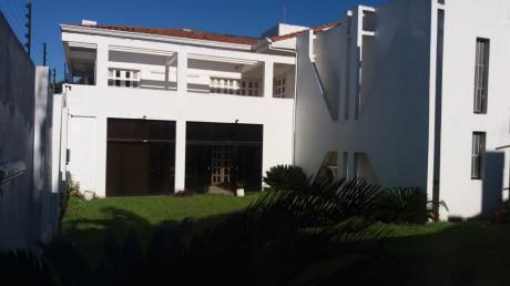 Alquilo Amplia Casa En Mariscal Estigarribia / Los Laureles
