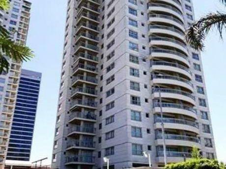 Se Vende Apartamento De 2 Dormitorios De Revista En Buceo,  !!