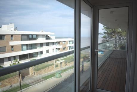 A Pasos De La Rambla De Punta Gorda, Refinada Arquitectura, A Estrenar