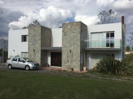 Espectacular Casa En La Tahona