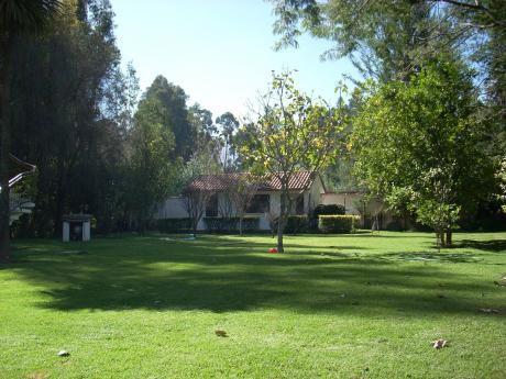 Hermosa Casa De Campo De Estilo único En Tiquipaya
