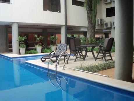 Alquilo Elegante Penthouse De 3 Dormitorios En Suite En Villa Morra