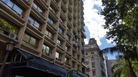 Edificio Torre Libertad , Plaza Cagancha Y 18 De Julio