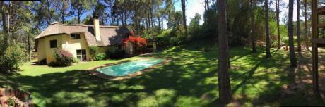 Hermosa Casa En El Golf Del Club Del Lago
