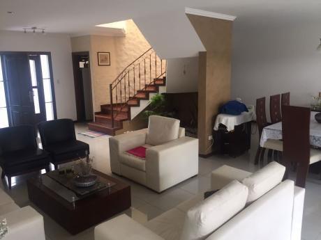 Casa En Venta En Urbanizacion Las Palmeras