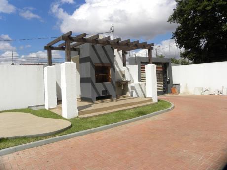 Casa En Venta En Ave. Alemana Dentro De Condominio!