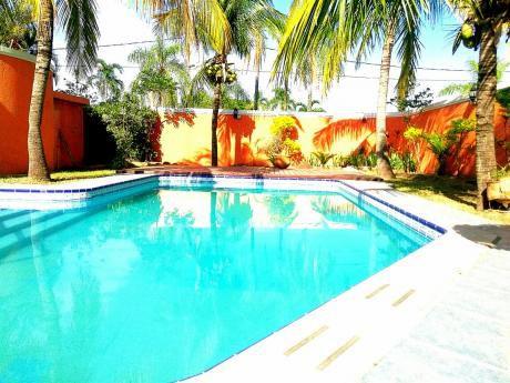 Venta de casas y condominio en remanso for Casa la mansion santa cruz bolivia