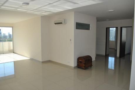 Amplio Departamento De 4 Dormitorios