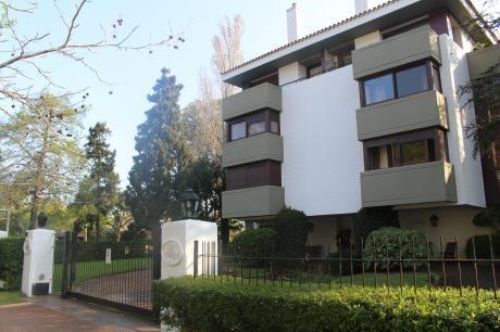 Apartamento De Nivel En Carrasco
