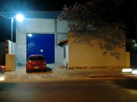 Alquilo Un Hermoso Tinglado (deposito) Sobre Denis Roa Casi LI