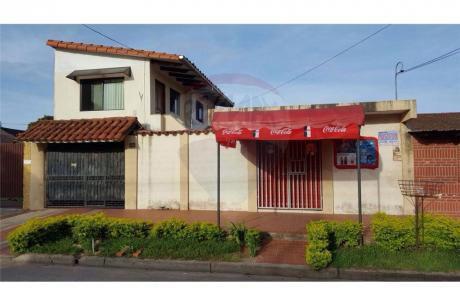 Casa En Venta, En Buena Ubicacion