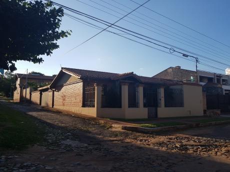 Casa En Esquina Toda En 1 Planta En Herrera