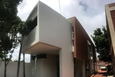 Edificio De 2 Plantas Para Oficinas