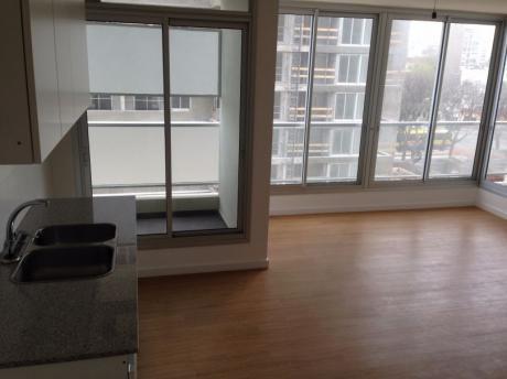 Apartamento De 3 Dormitorios En Barrio Sur