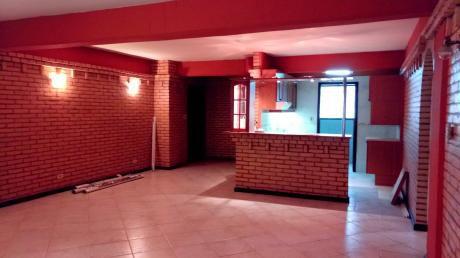 Alquilo Departamento Amplio 2 Hab. + 2 Cocheras Bº Bella Vista
