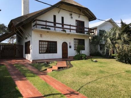 Casa De Playa En Parque Del Plata