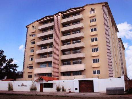 Departamento En Venta: Condominio Florencia