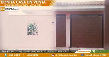 Bonita Casa De Dos Plantas En La Urb. Tatú