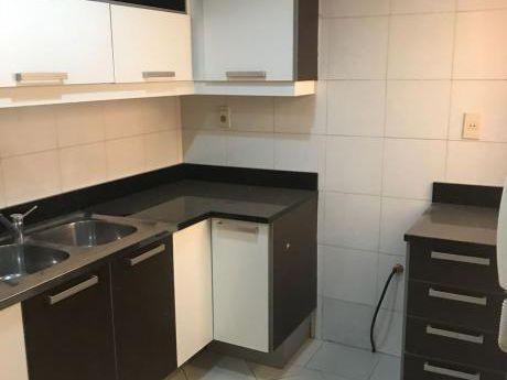 Alquilo Duplex Ycua Saty 3 Dormitorios Con Patio Zona Madame Lynch