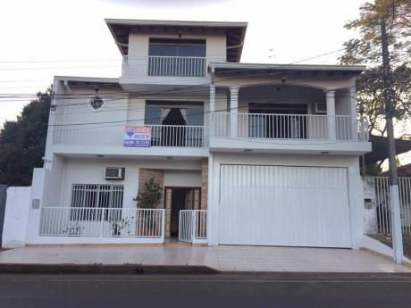 Vendo Hermosa Casa En El Km 4 - Proximo Al Área 1 - Cde!