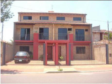 Vendo DÚplex Zona Mcal Lopez Y Calle Última. 3 Niveles Con Piscina