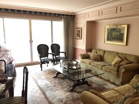 Venta Apartamento Exclusivo 3 Dormitorios Y Servicio En Pocitos