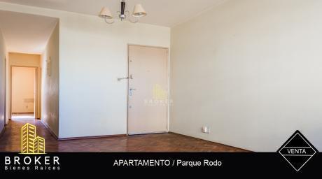 Apartamento 2 Dormitorios En Parque Rodó
