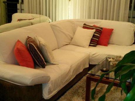 Sobre Plaza Varela , Todo Al Frente, Con Muebles, Todo A Nuevo
