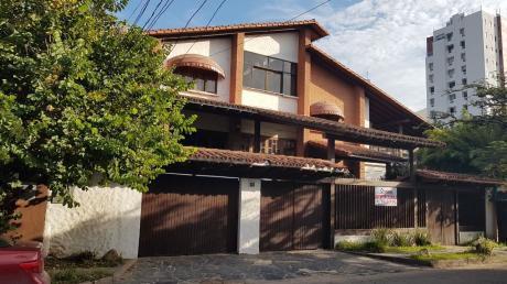 Bonita Y Amplia Casa En Equipetrol