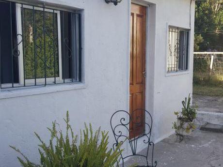 Linda Casa Con Jardin De 12 M2 Lateral Opcion Gge.
