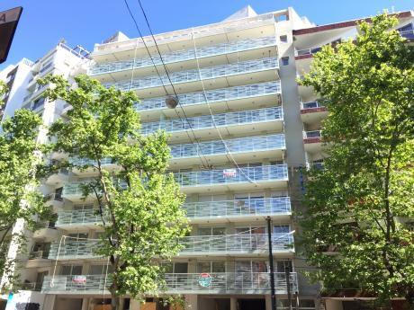 Venta De Apartamento En Pocitos, 2 Dormitorios, 2 Baños