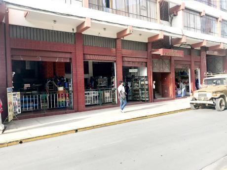 Venta De Tienda Comerciales Av. Bolivar