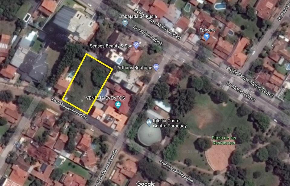 Amplio Terreno En Carmelitas Zona Molas Lopez / Embajada De Rusia