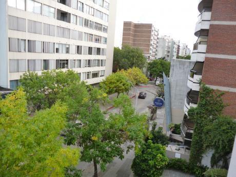 Villa Biarritz, 2 Dormitorios, Porteria 24 Hs, Garaje.
