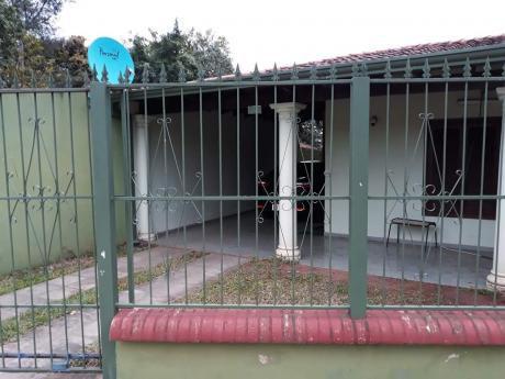 Chalet En Fernando De La Mora Zona Norte!