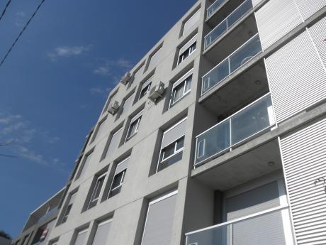 Apartamento,2 Dormitorios Garaje La Blanqueada