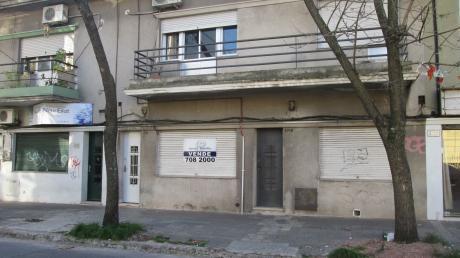 En Una Muy Buena Zona De Pocitos, Proxima A La Embajada De España-