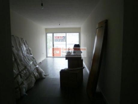 Apartamento 2 Dormitorios, Cocina Definida Y Garaje Doble