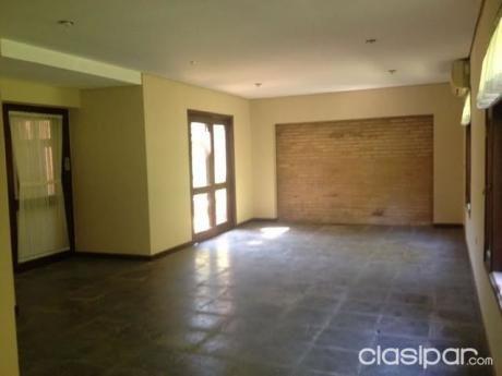 Hermosa Casa En Condominio - Barrio Ycua Sati