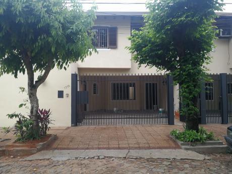 Tierra Inmobiliaria – Hermoso Duplex  En El Barrio Mas Exclusivo De Asunción!