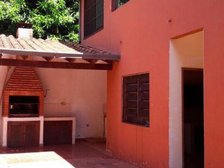 Amplia Casa En Stma. Trinidad