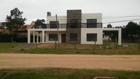 Excelente Casa En Punta Pinares
