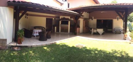 Vendo Casa Zona Centenario / Ex Coca Cola