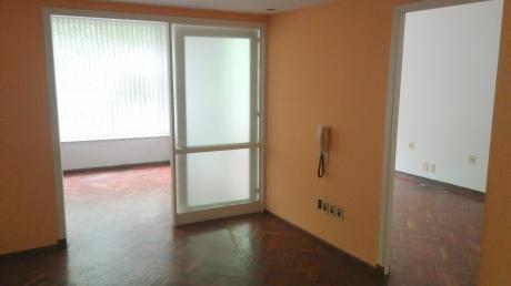 Apartamento 1 Dormitorio, 1 Baño, Cordón.